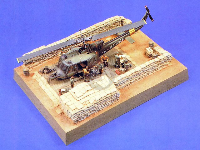 Verlinden 1/48 Chopper Revetment in Vietnam War Diorama Base (31.5 x  23.7cm) 425 | eBay