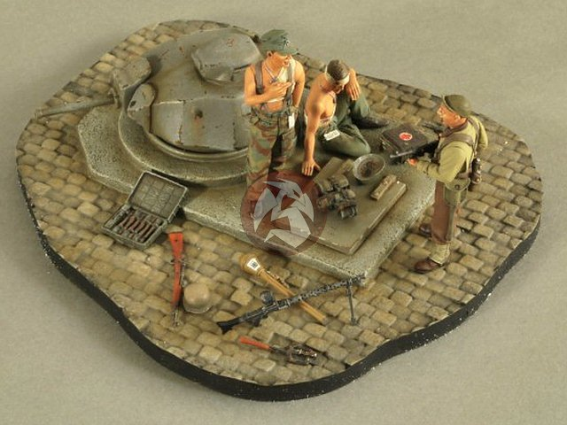 3 Figures 2585 Verlinden 1//35 Taking The Pillbox WWII Vignette with Base