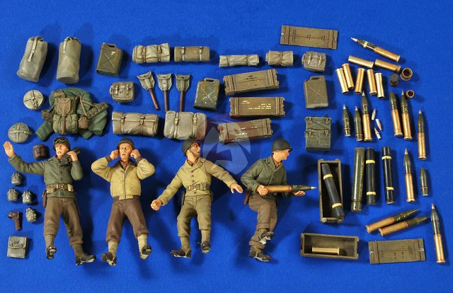 1//35 RESIN ACCESSORIES ROYAL MODEL 060 FLAK 30 AMMO BOXES NEW.